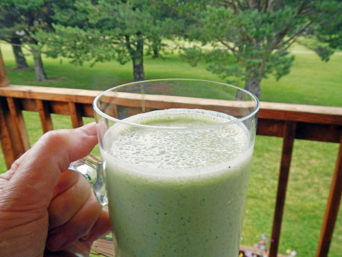 Kale Banana Smoothie.png